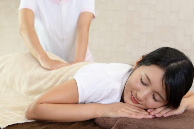 筋肉の緊張が和らいでリラックスする。